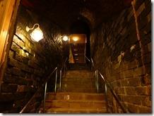 波切の湯への洞窟